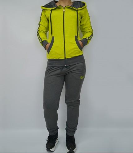 Втален дамски спортен комплект с качулка - Българско производство