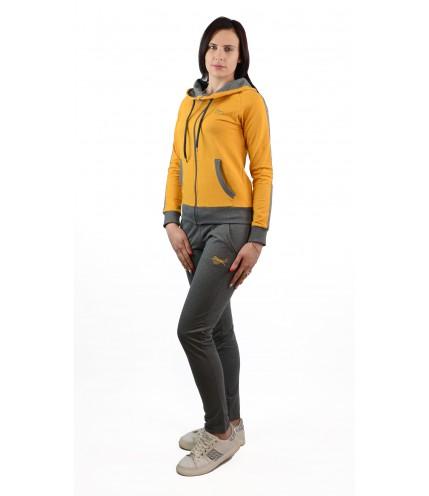 Втален дамски спортен комплект с качулка - българско производство - гигант